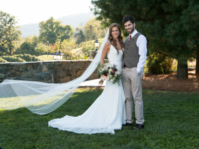 Beautiful Bluemont Vineyard Wedding